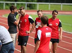 29.06.2015, Ernst-Lehner-Stadion, Augsburg, GER, 1. FBL, FC Augsburg, Trainigsauftakt, Laktat-Test, im Bild Blutentnahme fuer den Laktat-Test bei (v.li.) Tim Matavz (FC Augsburg #23), Tim Rieder (FC Augsburg #40), Markus Feulner (FC Augsburg #8), // during a traning session of German 1st Bundeliga Club FC Augsburg at the Ernst-Lehner-Stadion in Augsburg, Germany on 2015/06/29. EXPA Pictures © 2015, PhotoCredit: EXPA/ Eibner-Pressefoto/ Krieger<br /> <br /> *****ATTENTION - OUT of GER*****