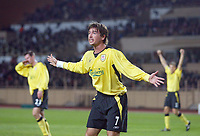 23/11/2004 - UEFA Champions League - Group A - AS Monaco v Liverpool  - Stade Louis II, Monte Carlo<br />Liverpool's Harry Kewell appeals a decision<br />Photo:Jed Leicester/Back Page Images