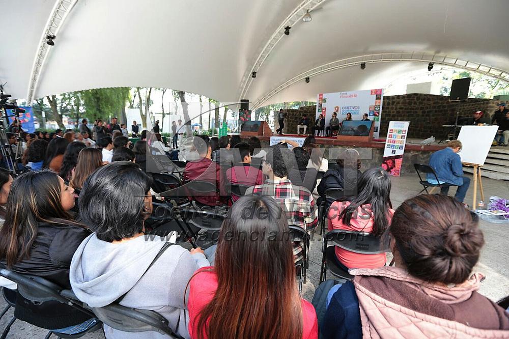 """Toluca, México.- (Marzo 01, 2018).- En el Parque Cuauhtémoc Alameda Central de Toluca se llevó a cabo el Quinto Foro #Toluca 2030 """"Rescatando a Nuestro Planeta"""". Agencia MVT / Crisanta Espinosa."""