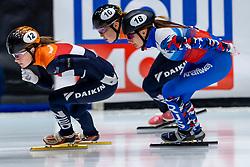 12-01-2019 NED: ISU European Short Track Championships 2019 day 2, Dordrecht<br /> Yara van Kerkhof #12 NED, Ekaterina Efremenkova #18 RUS