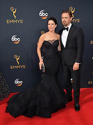 Neve Campbell & JJ Field bei der Verleihung der 68. Primetime Emmy Awards in Los Angeles / 180916<br /> <br /> *** 68th Primetime Emmy Awards in Los Angeles, California on September 18th, 2016***