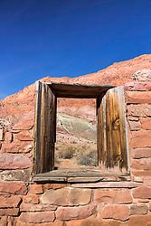 Window upon the desert, Lees Ferry Arizona