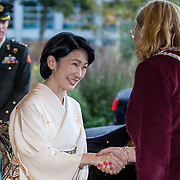 NLD/Den Haag/20181024 - Prinses Akishino en prinses Margriet openen 49th Union World Conference on Lung Health, Prinses Akishino begroet Burgermeester Pauline Krikke