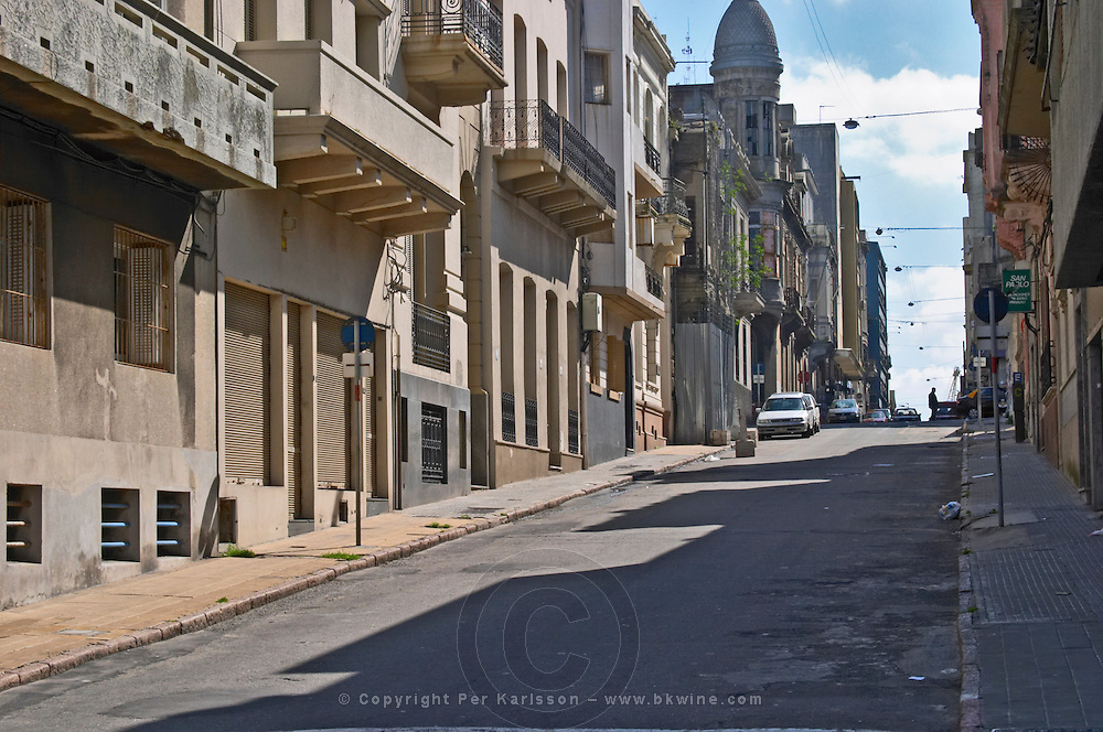 A street in the old town of Montevideo. Not far from the Harbor market Mercado del Puerto and the financial district. Montevideo, Uruguay, South America