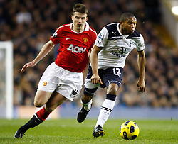16.01.2011, White Hart Lane, Lundon, ENG, PL, Tottenham Hotspur vs Manchester United, im Bild Tottenham's Wilson Palacios and Michael Carrick of Manchester United.Tottenham Hotspur v Manchester United.at White Hart Lane, London 16/01/2011. EXPA Pictures © 2011, PhotoCredit: EXPA/ IPS/ Kieran Galvin +++++ ATTENTION - OUT OF ENGLAND/UK and FRANCE/FR +++++