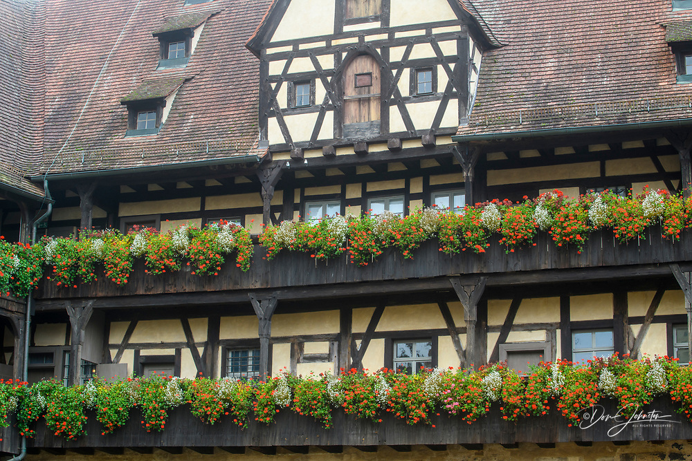 half-timbered building of the old palace (Alte Hofhaltung) facing the courtyard, Bamberg, Bavaria, Germany