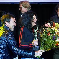 Nederland, Amsterdam , 5 februari 2010..De Nederlandse schrijfster van Uruguyaanse afkomst Carolina Trujillo is de laureaat van de BNG Nieuwe Literatuurprijs 2009 met haar roman De terugkeer van Lupe García (J.M. Meulenhoff). Juryvoorzitter Peter Rehwinkel maakte dit nieuws in de vooravond bekend in de concertzaal van Odeon te Amsterdam. Carolina Trujillo, die eerder genomineerd werd voor de AKO Literatuurprijs, is de vijfde winnaar van de BNG Nieuwe Literatuurprijs. Ze ontvangt 15.000 euro en een sculptuur, gemaakt door Theo van Eldik. .De vijf andere genomineerden waren Mark Boog (Ik begrijp de moordenaar, Cossee), Jan van Mersbergen (Zo begint het, Cossee), Henk van Straten (Smet, Lebowski), Annelies Verbeke (Vissen redden, De Geus) en Robbert Welagen (Verre vrienden, Nijgh & Van Ditmar)...Foto:Jean-Pierre Jans