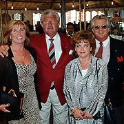 Premiere circus Louis Knie Den Haag, hans Boskamp met vrouw Tine Tijssen en Tony Tetro met vrouw