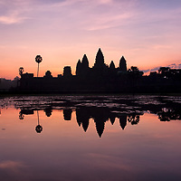 In 2005 we missed the sunrise at Angkor Wat because the weather was very cloudy. Anyway, if the weather conditions would have been better we would have been standing on the wrong place, far away from the small lake which casts the mirror image of Angkor Wat.