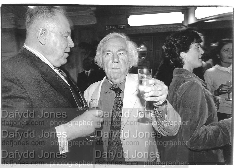 Keith Waterhouse, Ned Sherrin© Copyright Photograph by Dafydd Jones 66 Stockwell Park Rd. London SW9 0DA Tel 020 7733 0108 www.dafjones.com
