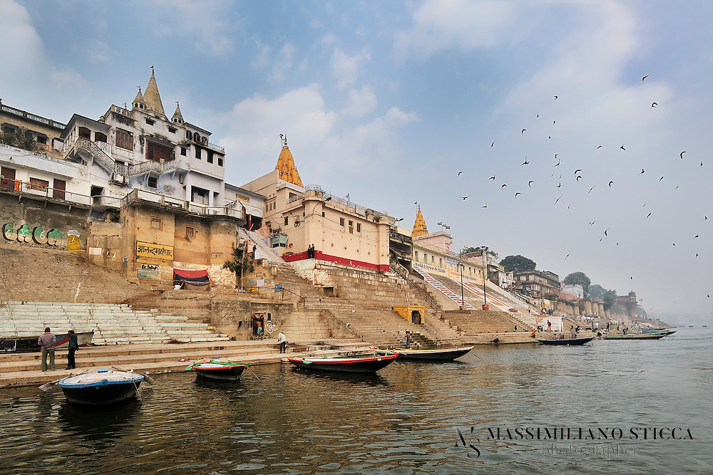 Vaccharaja Ghat is a sacred place for the Jain community in Varanasi. It is close to the birth place of seven Jain Tirthankars. This ghat got its name from a merchant Vaccharaja, who made it pucca during the 18th century. Formerly, Jain Ghat was a part of this ghat. Occasional cultural programs, Bhajan and kirtans are organized here.