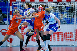 13-12-2019 JAP: Semi Final Netherlands - Russia, Kumamoto<br /> The Netherlands beat Russia in the semifinals 33-22 and qualify for the final on Sunday in Park Dome at 24th IHF Women's Handball World Championship / Danick Snelder #10 of Netherlands, Lois Abbingh #8 of Netherlands, Anna Vyakhireva #13 of Russia