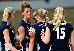 28-09-2015 NED: Volleyball European Championship Polen - Slovenie, Apeldoorn<br /> Polen wint met 3-0 van Slovenie / Katarzyna Ewa Skowronska-Dolata #17<br /> Photo by Ronald Hoogendoorn / Sportida
