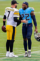 NASHVILLE, TN - OCTOBER 25:  Ben Roethlisberger #7 of the Pittsburgh Steelers talks after the game with Derrick Henry #22 of the Tennessee Titans at Nissan Stadium on October 25, 2020 in Nashville, Tennessee.  The Steelers defeated the Titans 27-24.  (Photo by Wesley Hitt/Getty Images) *** Local Caption *** Ben Roethlisberger; Derrick Henry