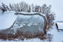 THEMENBILD - Blick auf einen zugefrorenen See, aufgenommen am 16. Januar 2019 in Piesendorf, Oesterreich // View of a frozen lake in Piesendorf, Austria on 2019/01/15. EXPA Pictures © 2019, PhotoCredit: EXPA/ JFK