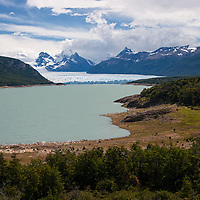 78 kilometers from El Calafate you can easily reach the Glacier of Perito Moreno. Argentina's Perito Moreno is also located in Los Glaciares National Park.