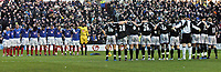 Fotball<br /> Premier League 2004/05<br /> Portsmouth v Chelsea<br /> 28. desember 2004<br /> Foto: Digitalsport<br /> NORWAY ONLY<br /> Both teams line up to observe a minutes silence in memory of the vcitims of the Indian Ocean distaster over Christmas