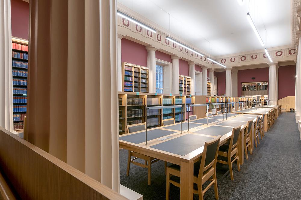 LAW SCHOOL LIBRARY
