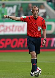 Football: Germany, 1. Bundesliga, VfL Wolfsburg - Borussia Dortmund (BVB), Wolfsburg - 16.05.2015,<br />Referee Marco Fritz <br /><br />© pixathlon<br /><br />+++ NED out !!! +++