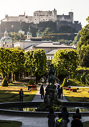 THEMENBILD - die Gartenanlage des Schloss Mirabell mit Blick auf die Festung Hohensalzburg. Das Schloss Mirabell und seine Gärten zählen zu den Touristenzielen in der Stadt, aufgenommen am 09. Mai 2018 in Salzburg, Österreich // the gardens of the Mirabell Palace infront of the Hohensalzburg Fortress. The Mirabell palace with its gardens is a listed cultural heritage monument and part of the Historic Centre of the City, Salzburg, Austria on 2018/05/09. EXPA Pictures © 2018, PhotoCredit: EXPA/ JFK