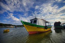 A praia de Nova Brasília, na Ilha do Mel é um ponto turístico de muita importancia no estado do Paraná. Muitas pessoas consideram que a ilha tem as melhores praias do estado. A ilha, fazendo parte do município de Paranaguá, é administrada pelo Instituto Ambiental do Paraná (IAP). FOTO: Jefferson Bernardes/Preview.com