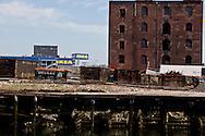 Red Hook . Brooklyn, the old docks are becoming a trendy area,  New York  United states /  le quartier de Red Hook . Brooklyn , les anciens docks au bord de la mer se transforment en quartier a la mode, New York  Etats unis