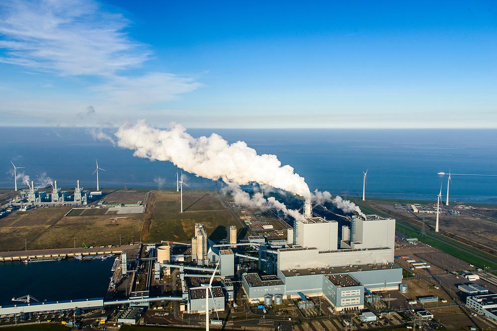 Nederland, Groningen, Eemshaven, 04-11-2018; energielandschap aan de Eemshaven met de kolengestookte elektriciteitscentrale Eemscentrale van RWE (voorheen RWE_Essent).  In de achtergond Magnum energiecentrale van Nuon (stoom- en gascentrale, STEG).<br /> Energy landscape at the Eemshaven with the coal-fired Eemscentrale power plant from RWE (formerly RWE_Essent).<br /> luchtfoto (toeslag op standaard tarieven);<br /> aerial photo (additional fee required);<br /> copyright© foto/photo Siebe Swart
