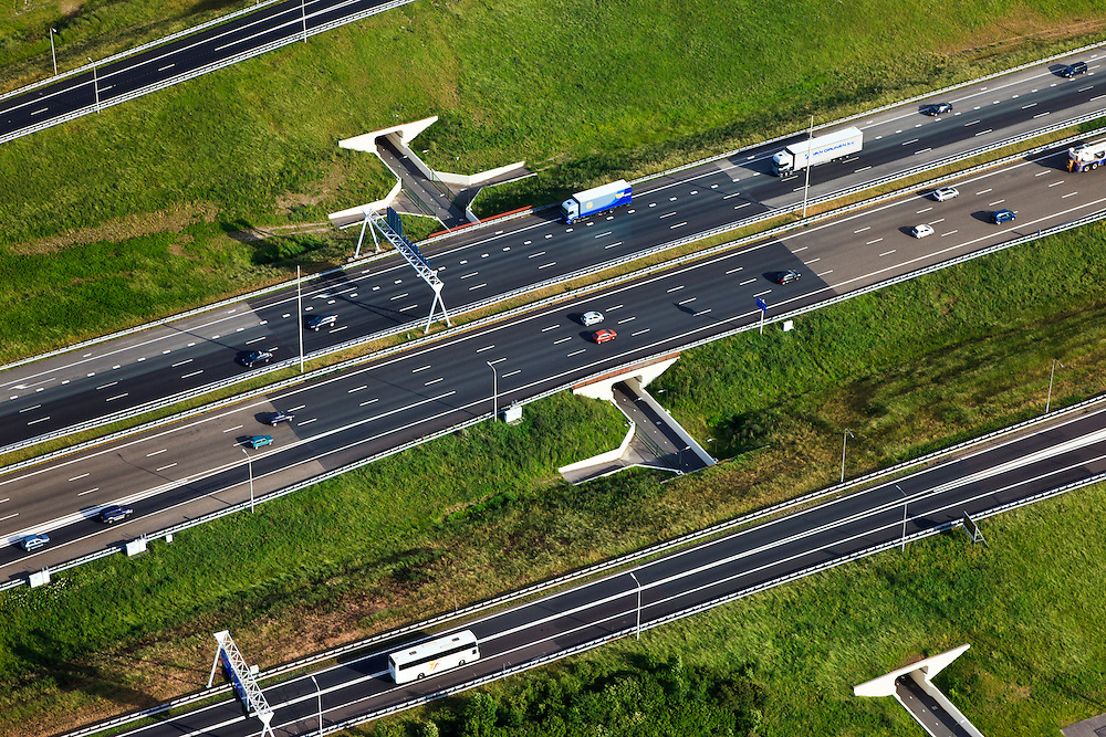 Nederland, Zuid-Holland, Den Haag, 23-05-2011; prins Clausplein fietstunnels naar Leidschenveen.Bicycle  tunnel under the motorway A12 to The Hague..luchtfoto (toeslag), aerial photo (additional fee required).copyright foto/photo Siebe Swart