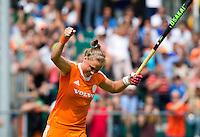 WATERLOO (Belgie) - Vreugde bij Lieke van Wijk nadat ze de stand op 1-0 heeft gebracht tijdens  de EK finale hockey -21 tussen de vrouwen van Nederland en Duitsland (2-0). FOTO KOEN SUYK