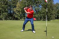 AMSTERDAM   - speler mist korte put en is boos.   Golf, regels,    COPYRIGHT KOEN SUYK