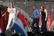 Bevrijdingsconcert - 5 mei-concert op de Amstel, Amsterdam. // Liberation Concert - 5 May concert on the Amstel<br /> <br /> Op de foto:   Maan, Willemijn Verkaik, CB Milton