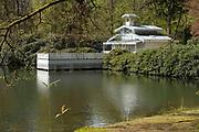APELDOORN, 09-06-2021 , Kroondomein Het Loo<br /> <br /> Kroondomein Het Loo is een landgoed op de Veluwe, in de Nederlandse provincie Gelderland. Het is het grootste landgoed van Nederland en omvat ongeveer 10.400 hectare.<br /> <br /> Op de foto:   Thee paviljoen