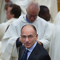 ASSISI, ITALY - OCTOBER 04:  Italian President of the Government Gianni Letta attends Mass of Pope Francis on October 4, 2013 in Assisi, Italy.  Pope Francis is due to venerate the tomb of San Francesco of Assisi at the crypt of the Upper Basilica of Saint Francis tomorrow during his one-day visit to the city.  (Photo by Marco Secchi/Getty Images)