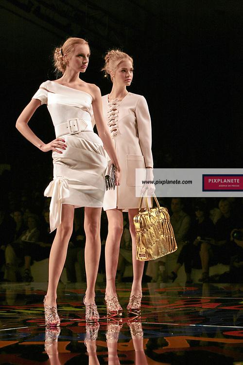 Paris Fashion Week Summer 2008 - Valentino - 3/10/2007 - JSB / PixPlanete