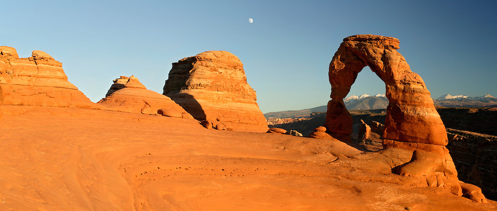 Delicate Arch, Arches National Park, near Moab, Utah.