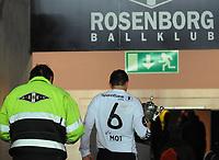 Fotball Testimonial Roar Strand,  Rosenborg - Tippeliga All-Stars 11 november  2010<br /> Lerkendal Stadion, Trondheim<br /> <br /> Roar Strand går ned i garderoben for siste gang...<br /> <br /> <br /> Foto : Arve Johnsen, Digitalsport