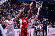 DESCRIZIONE : Milano Lega A 2015-16 Olimpia EA7 Emporio Armani Milano - Zagabria<br /> GIOCATORE : Jamal McLean<br /> CATEGORIA : Tiro<br /> SQUADRA : Olimpia EA7 Emporio Armani Milano<br /> EVENTO : Campionato Lega A 2015-2016<br /> GARA : Olimpia EA7 Emporio Armani Milano - Zagabria<br /> DATA : 05/11/2015<br /> SPORT : Pallacanestro<br /> AUTORE : Agenzia Ciamillo-Castoria/M.Ozbot<br /> Galleria : Lega Basket A 2015-2016 <br /> Fotonotizia: Milano Lega A 2015-16 Olimpia EA7 Emporio Armani Milano - Zagabria