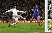 Photo: Paul Thomas/Sportsbeat Images.<br /> England v Croatia. UEFA European Championships Qualifying. 21/11/2007.<br /> <br /> Peter Crouch of England scores.