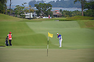Yung-Hua LIU (TPE) chips on to 18 during Rd 1 of the Asia-Pacific Amateur Championship, Sentosa Golf Club, Singapore. 10/4/2018.<br /> Picture: Golffile | Ken Murray<br /> <br /> <br /> All photo usage must carry mandatory copyright credit (© Golffile | Ken Murray)