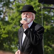 NLD/Amsterdam/20110430 - Koninginnedagconcert Radio 538, Vader Abraham