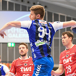 Nordhorn-Lingens Pöhle / Poehle, Georg beim Wurf beim Spiel in der Handball Bundesliga, Die Eulen Ludwigshafen - HSG Nordhorn-Lingen.<br /> <br /> Foto © PIX-Sportfotos *** Foto ist honorarpflichtig! *** Auf Anfrage in hoeherer Qualitaet/Aufloesung. Belegexemplar erbeten. Veroeffentlichung ausschliesslich fuer journalistisch-publizistische Zwecke. For editorial use only.