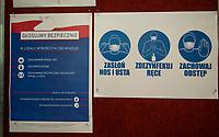 Czyzew, woj. podlaskie. 28.06.2020. Wybory prezydenckie 2020. N/z OKW w gminnym osrodku kultury; informacja o rezimie sanitarnym fot Michal Kosc / AGENCJA WSCHOD