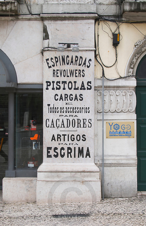 Shop selling arms, pistols, revolvers and other weapons. Lisbon, Portugal