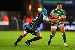 Monty Ioane of Benetton Treviso is tackled by Justin Tipuric of Ospreys<br /> <br /> Photographer Craig Thomas/Replay Images<br /> <br /> Guinness PRO14 Round 4 - Ospreys v Benetton Treviso - Saturday 22nd September 2018 - Liberty Stadium - Swansea<br /> <br /> World Copyright © Replay Images . All rights reserved. info@replayimages.co.uk - http://replayimages.co.uk