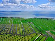 Nederland, Noord-Holland, Gemeente Edam-Volendam, 07-05-2021; Polder Zeevang ter hoogte van Warder. Strokenverkaveling. Zicht op het IJsselmeer.<br /> <br /> luchtfoto (toeslag op standaard tarieven);<br /> aerial photo (additional fee required)<br /> copyright © 2021 foto/photo Siebe Swart.