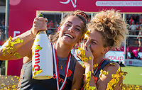 ANTWERPEN -  Oranje wint goud. Frederique Matla (Ned) en Maria Verschoor (Ned)   De finale  dames  Nederland-Duitsland  (2-0) bij het Europees kampioenschap hockey.   COPYRIGHT  KOEN SUYK