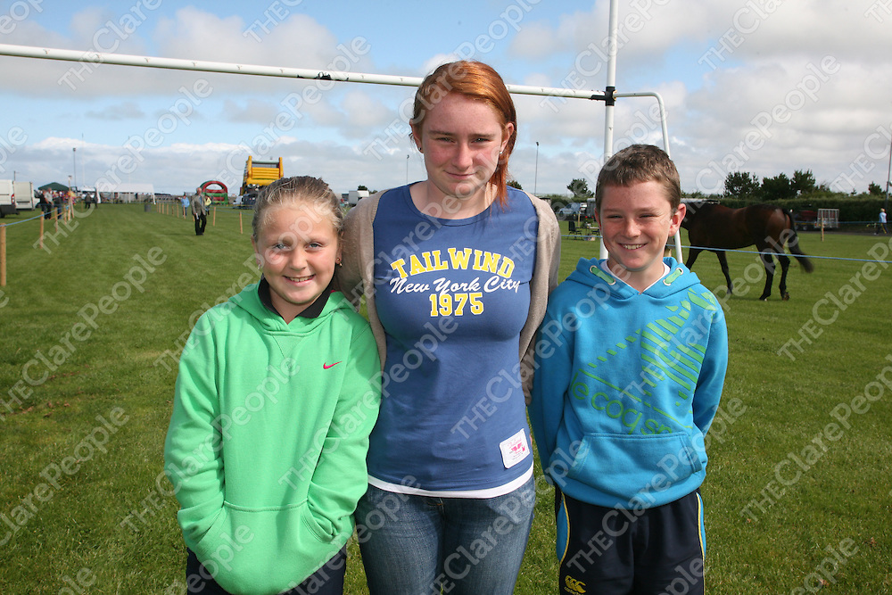 PIctured at the Mullagh show in County clare on Sunday 21st August 2011 were Rachel O'Sullivan, carolien & Seanus Casey<br /> Emma Jervis Press 22