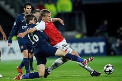 20-10-2009 VOETBAL: AZ - ARSENAL: ALKMAAR<br /> AZ in slotminuut naast Arsenal 1-1 / Pontus Wernbloom en Aaron Ramsey<br /> ©2009-WWW.FOTOHOOGENDOORN.NL