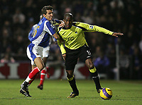 Photo: Lee Earle.<br /> Portsmouth v Manchester City. The Barclays Premiership. 10/02/2007.Portsmouth's Gary O'Neil (L) battles with Sylvain Distin.
