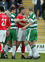 Photo: Paul Thomas. Kidderminster Harriers v Yeovil Town, Aggborough Stadium, Kidderminster. 16/04/2005. Tom Bennett has some words to say to Paul Terry and the Yeovil players.